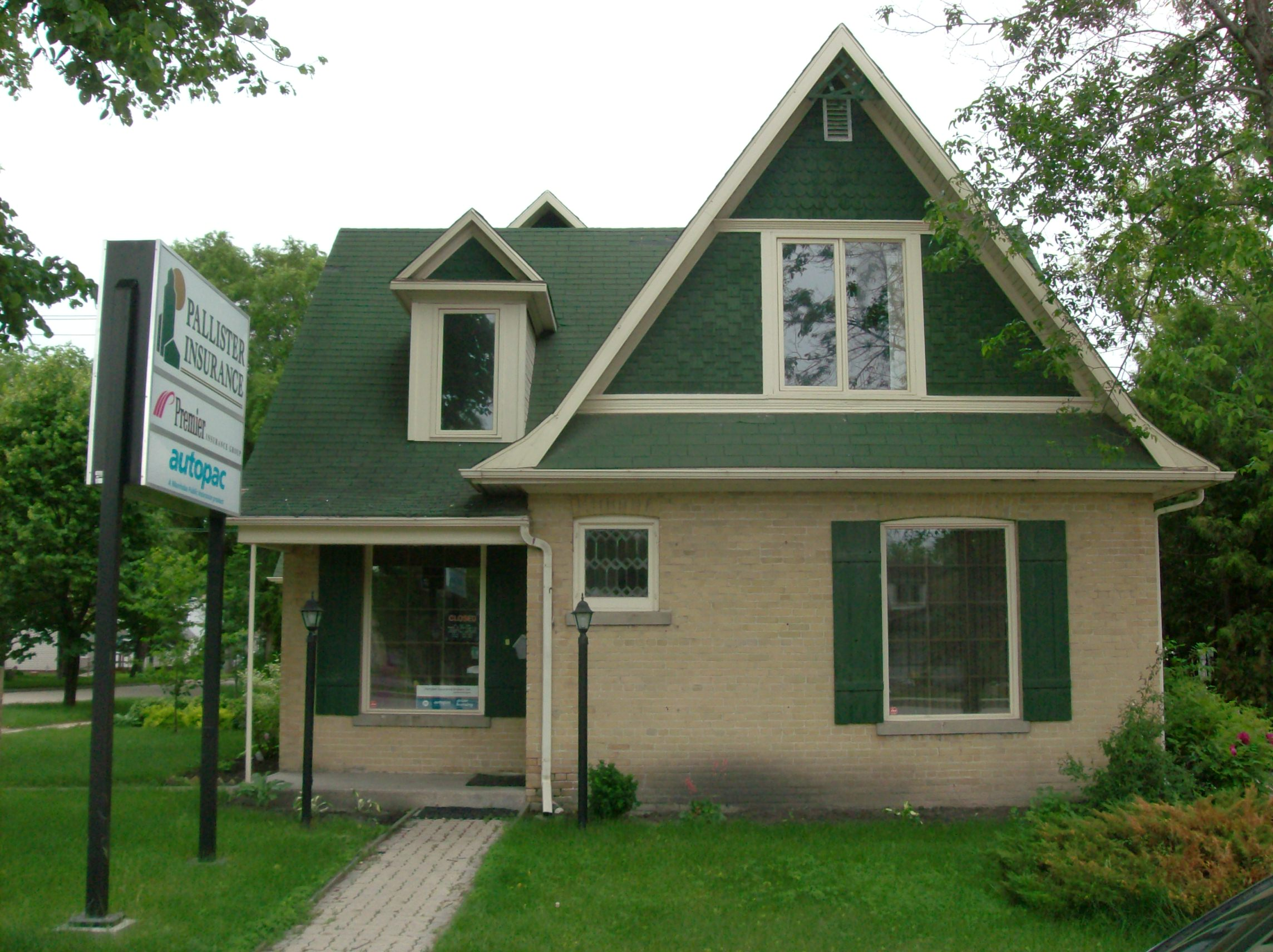Heritage Houses Three Bricks In Portage La Prairie