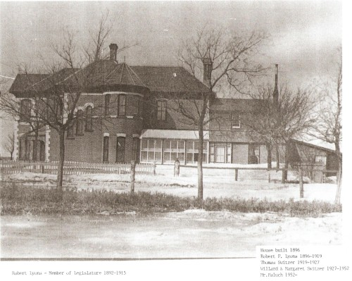 CARBERRY LYONS HOUSE IN ITS DAY