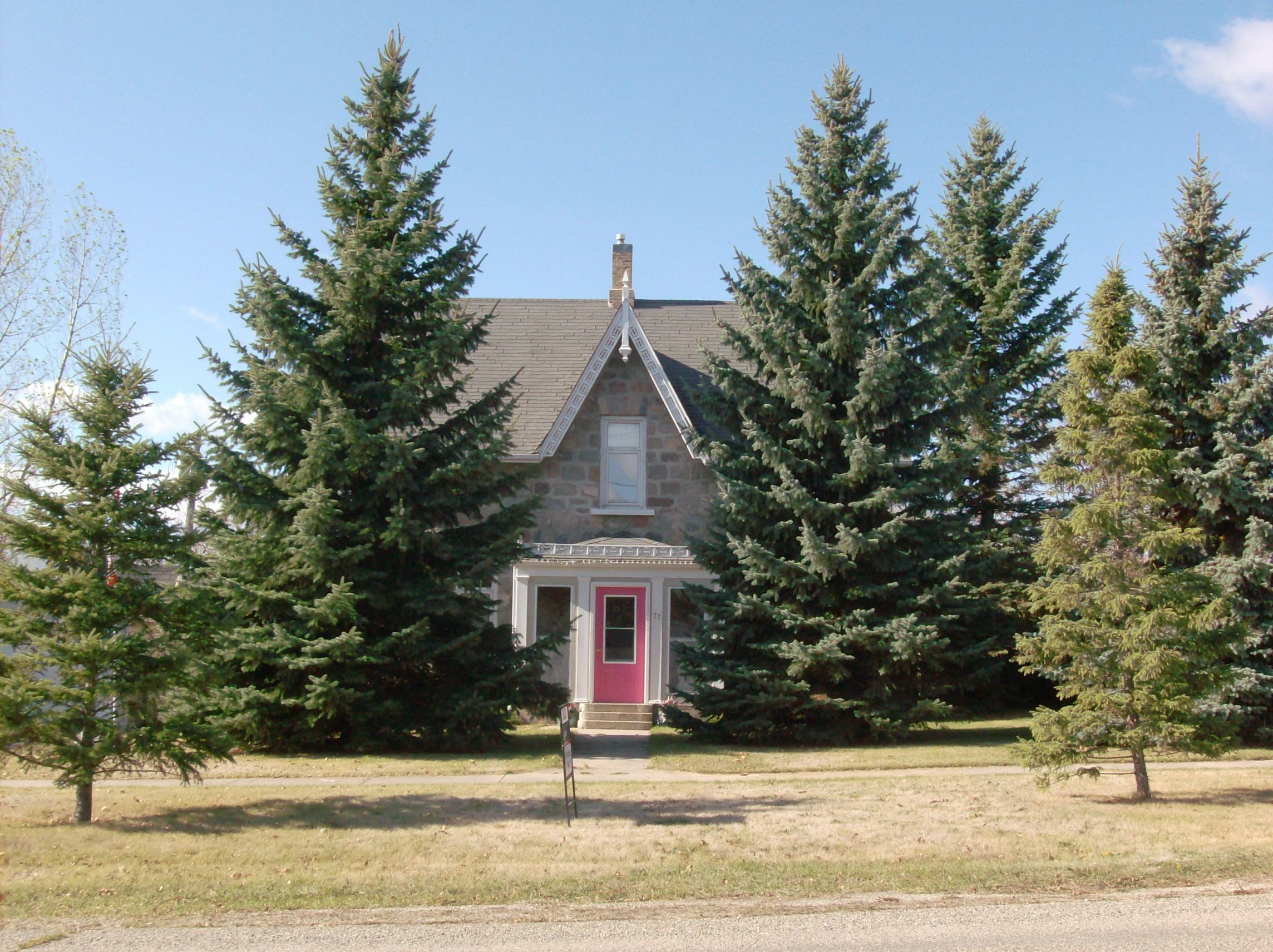 Manitoba Heritage House – Minnedosa Fieldstone | ReadReidRead