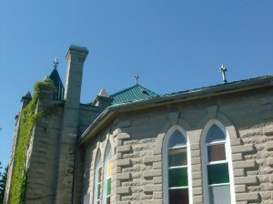 Roofline with pinnacles