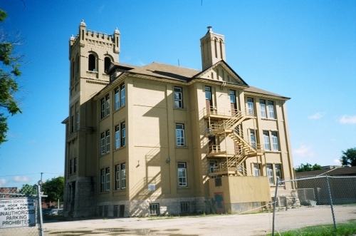 Somerset School built on 1902