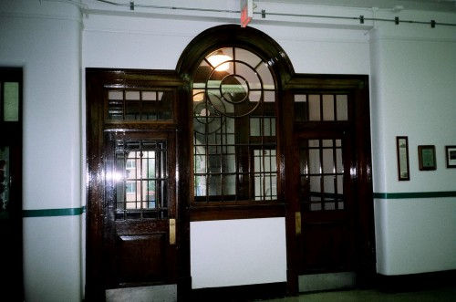 EARL GREY ENTRANCE  INTERIOR