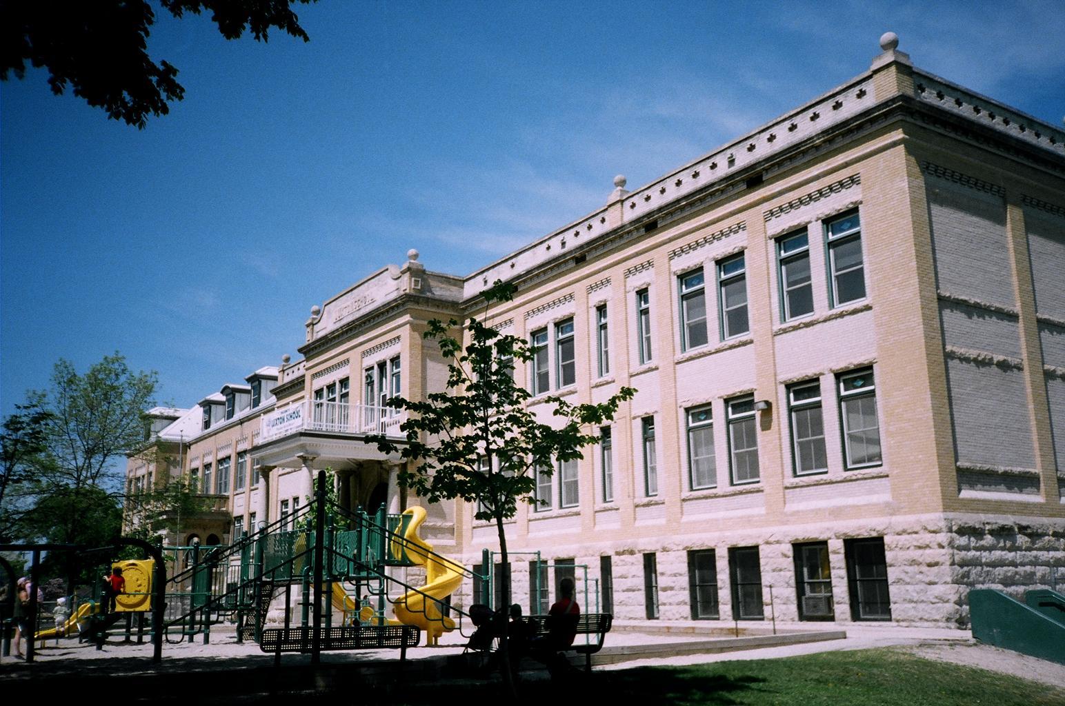 Luxton School, 111 Polson Avenue, Winnipeg (1908) | ReadReidRead